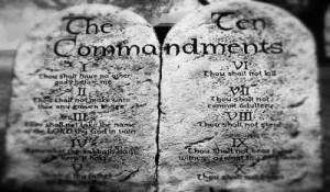 The-Ten-Commandments-Tablets-Are-Christians-Under-the-Law